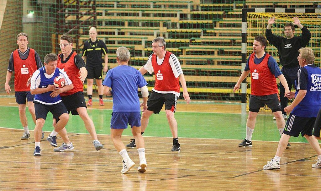 2. Handball-Benefizturnier des Presseclubs am 28. Mai 2011 in der Hermann-Gieseler-Halle (Foto: Manja Winkler)
