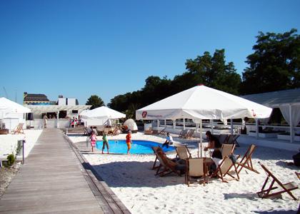 Montego Beachclub im Wissenschaftshafen